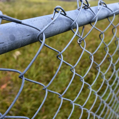 use on chain link and field fences